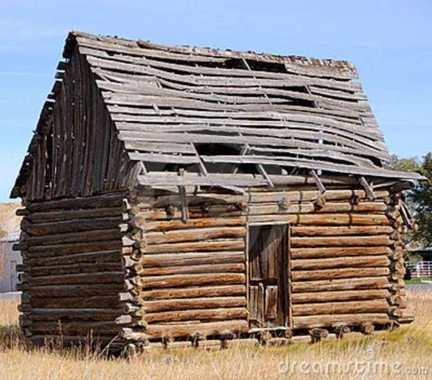historic-log-cabin-17615969